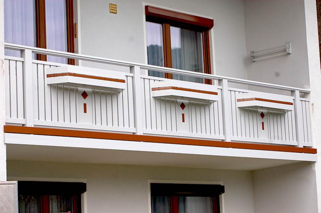 Aluminium Balkone in der Modellgruppe Kompakt in der Modellgruppe Kompakt mit der Nr 516