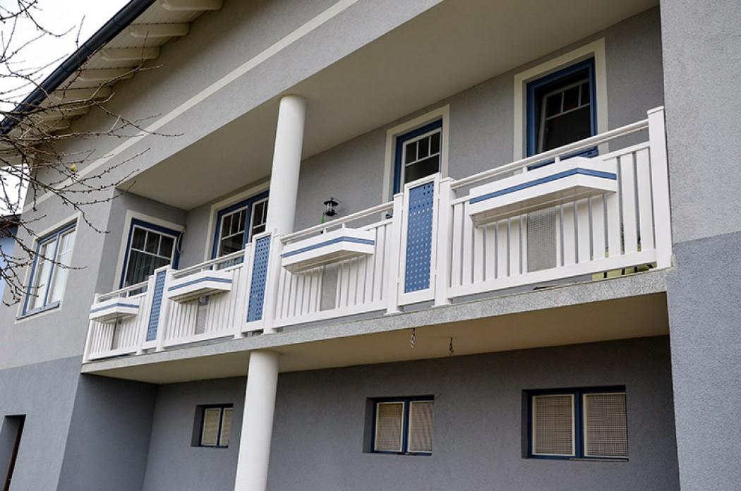 Aluminium Balkone in der Modellgruppe Kompakt in der Modellgruppe Kompakt mit der Nr 817
