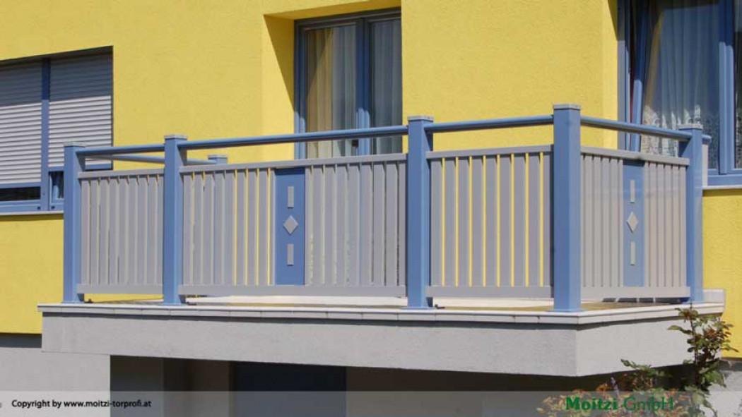 Aluminium Balkone in der Modellgruppe Kompakt in der Modellgruppe Kompakt mit der Nr 438