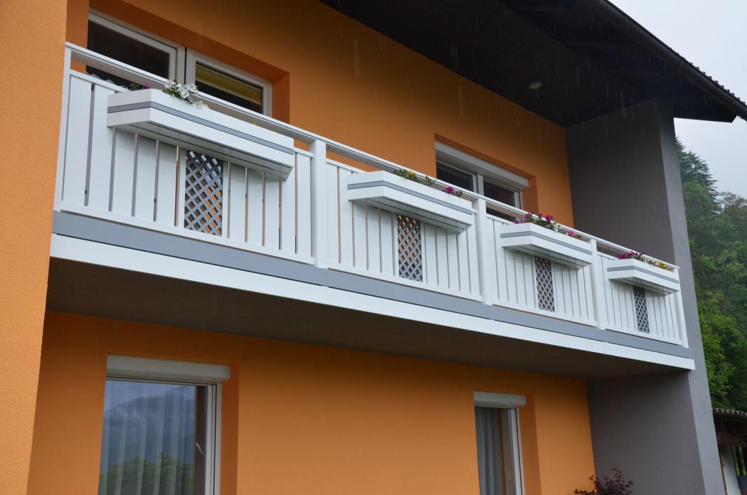 Aluminium Balkone in der Modellgruppe Kompakt in der Modellgruppe Kompakt mit der Nr 1210