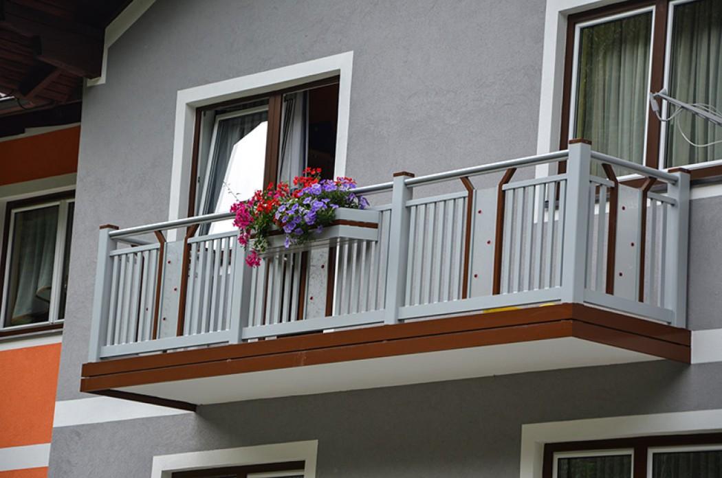 Aluminium Balkone in der Modellgruppe Kompakt in der Modellgruppe Kompakt mit der Nr 818