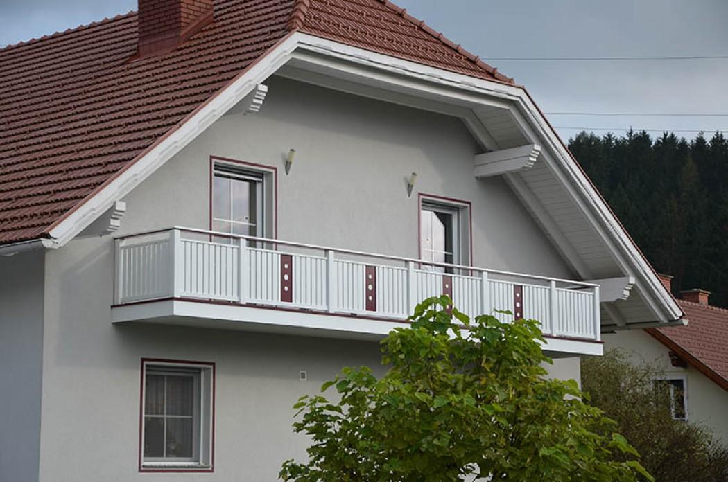 Aluminium Balkone in der Modellgruppe Kompakt in der Modellgruppe Kompakt mit der Nr 550