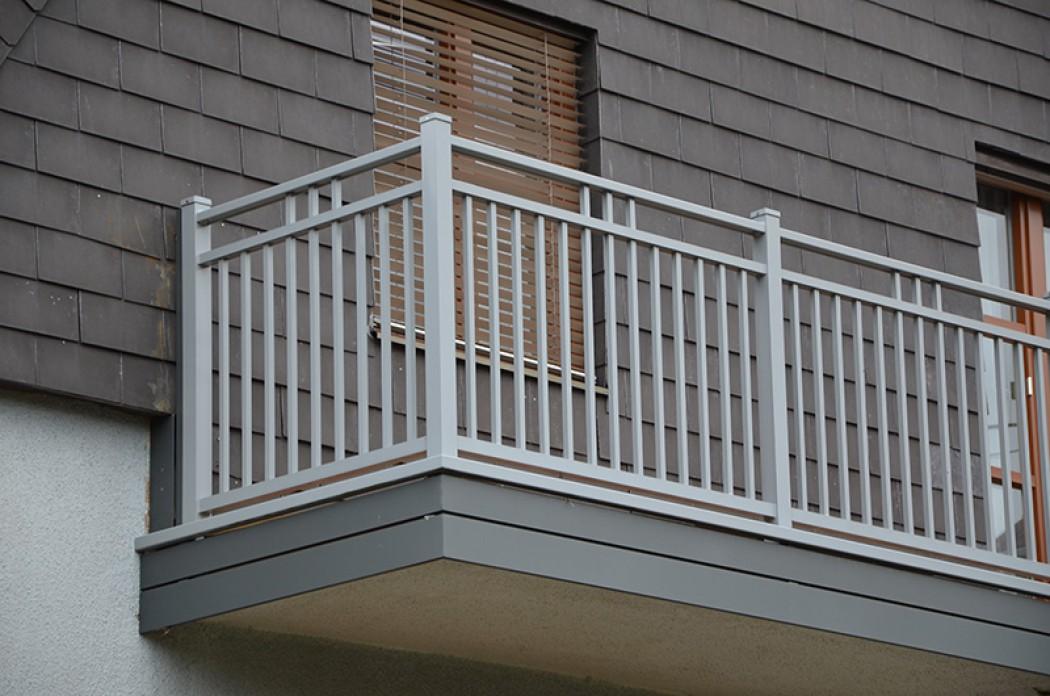 Aluminium Balkone in der Modellgruppe Kompakt in der Modellgruppe Kompakt mit der Nr 644