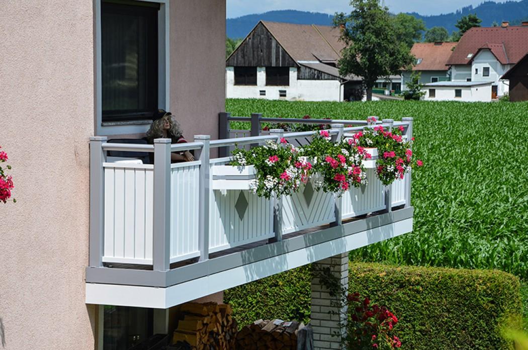 Aluminium Balkone in der Modellgruppe Kompakt in der Modellgruppe Kompakt mit der Nr 816