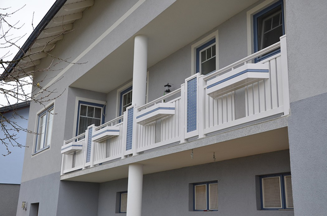 Aluminium Balkone in der Modellgruppe Kompakt in der Modellgruppe Kompakt mit der Nr 683