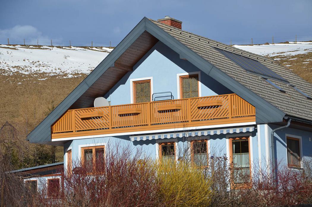 Aluminium Balkone in der Modellgruppe Kompakt in der Modellgruppe Kompakt mit der Nr 832